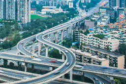 """川渝织密""""水陆空""""立体交通网 高速、高铁、跨省公交及水运航空重点工程提速"""