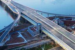 交通运输领域多项数据超预期