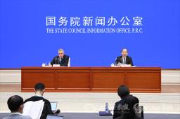 统计局局长宁吉喆:政府工作报告提出的宏观调控的主要目标已经实现 好于预期