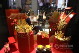 珠宝、宝石馆吸引众多市民观展